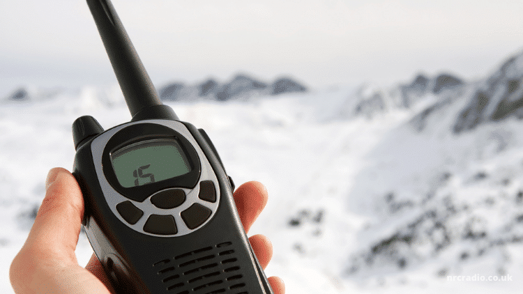Best Two Way Radios For Emergencies – Consider These 5 Things