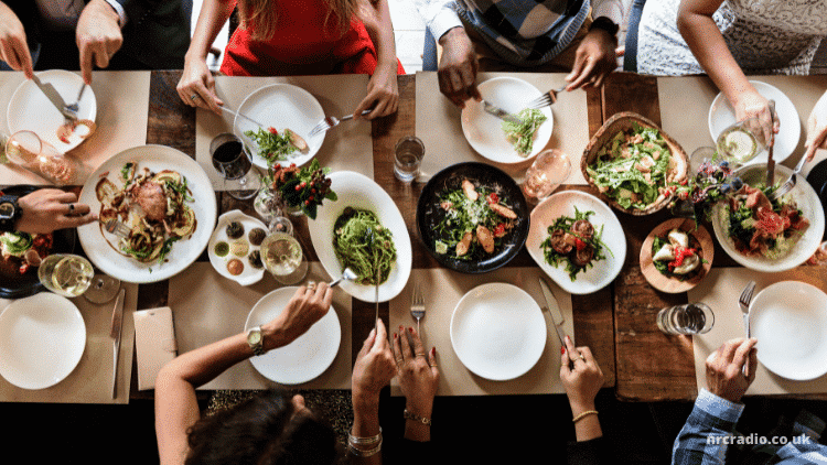 Two-Way Radios for Restaurants – Our Top 5 Picks