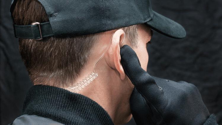 walkie talkie with headset